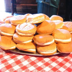 Boys Have Wieners and Girls Have Hamburger Buns